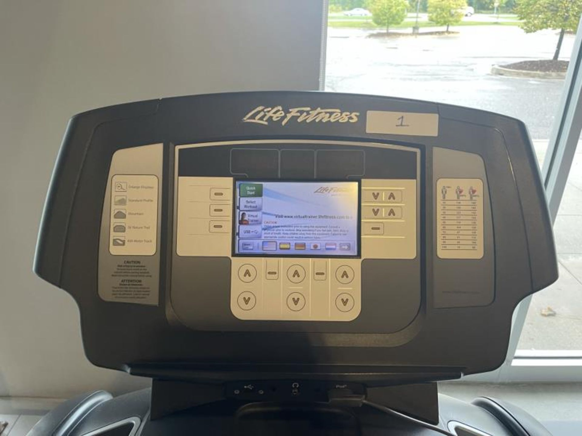 Life Fitness Treadmill M: 95T with Flex Deck, Shock Absorption System SN: TET107106 - Image 2 of 3