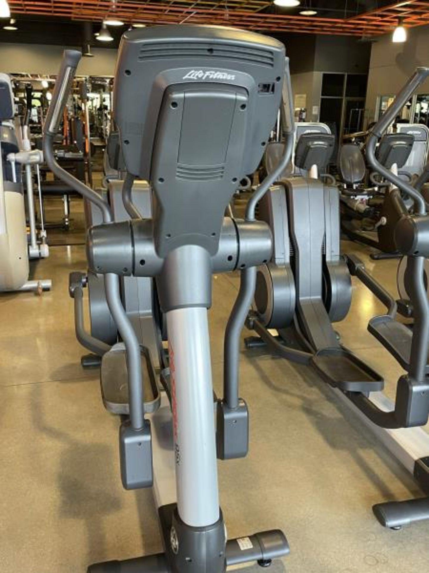Life Fitness Elliptical M: 95X - Image 3 of 6