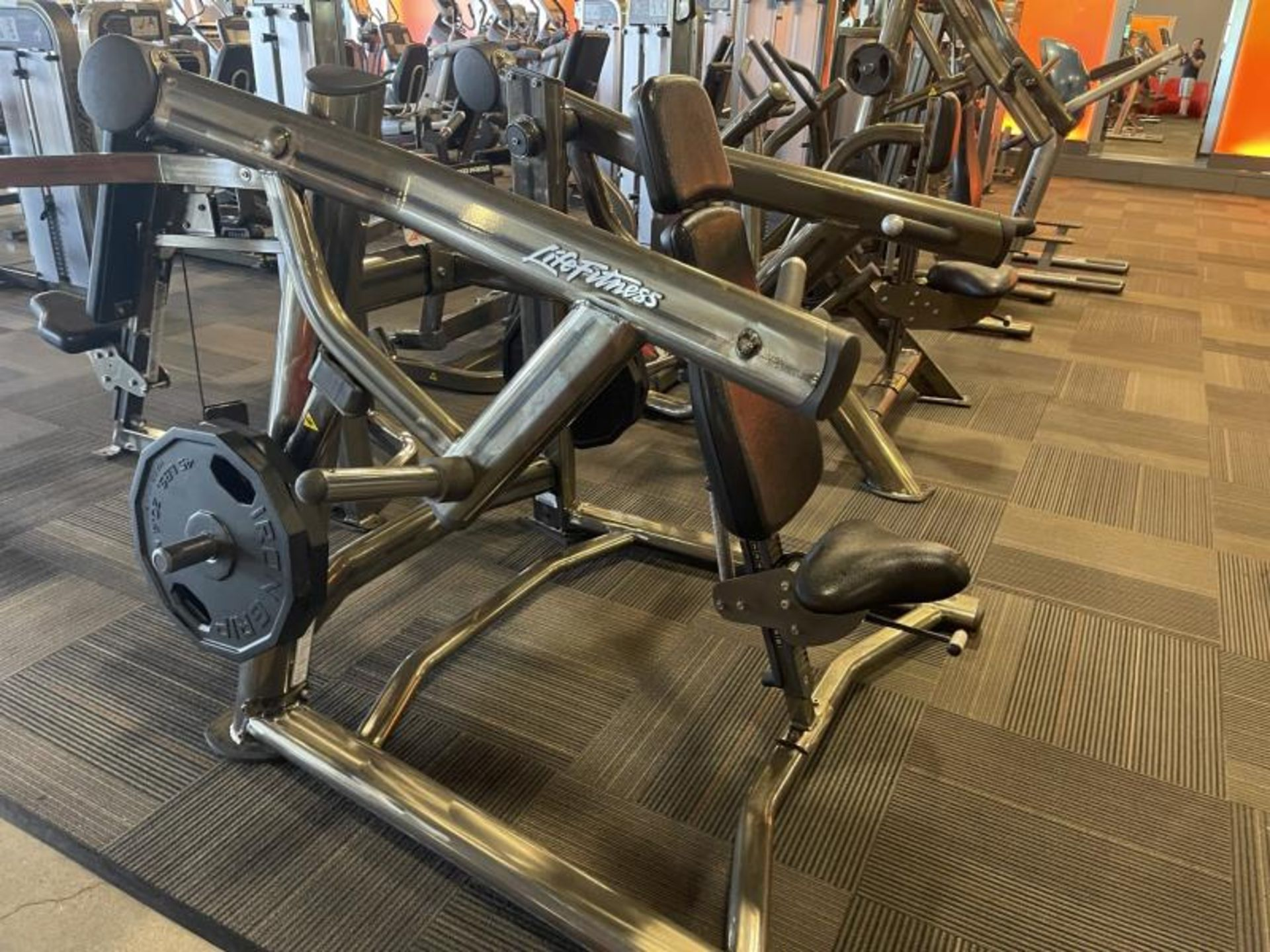 Life Fitness Shoulder Press M: SPLSP with 4 Iron Grip Weight Plates, 45# - Image 2 of 4