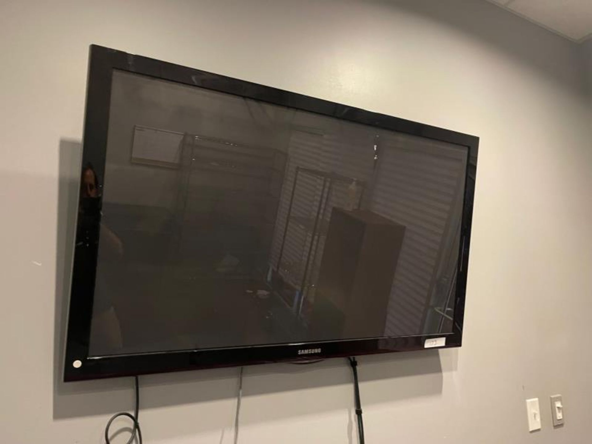 """Samsung Flat Panel TV approx. 48"""" - Image 2 of 2"""