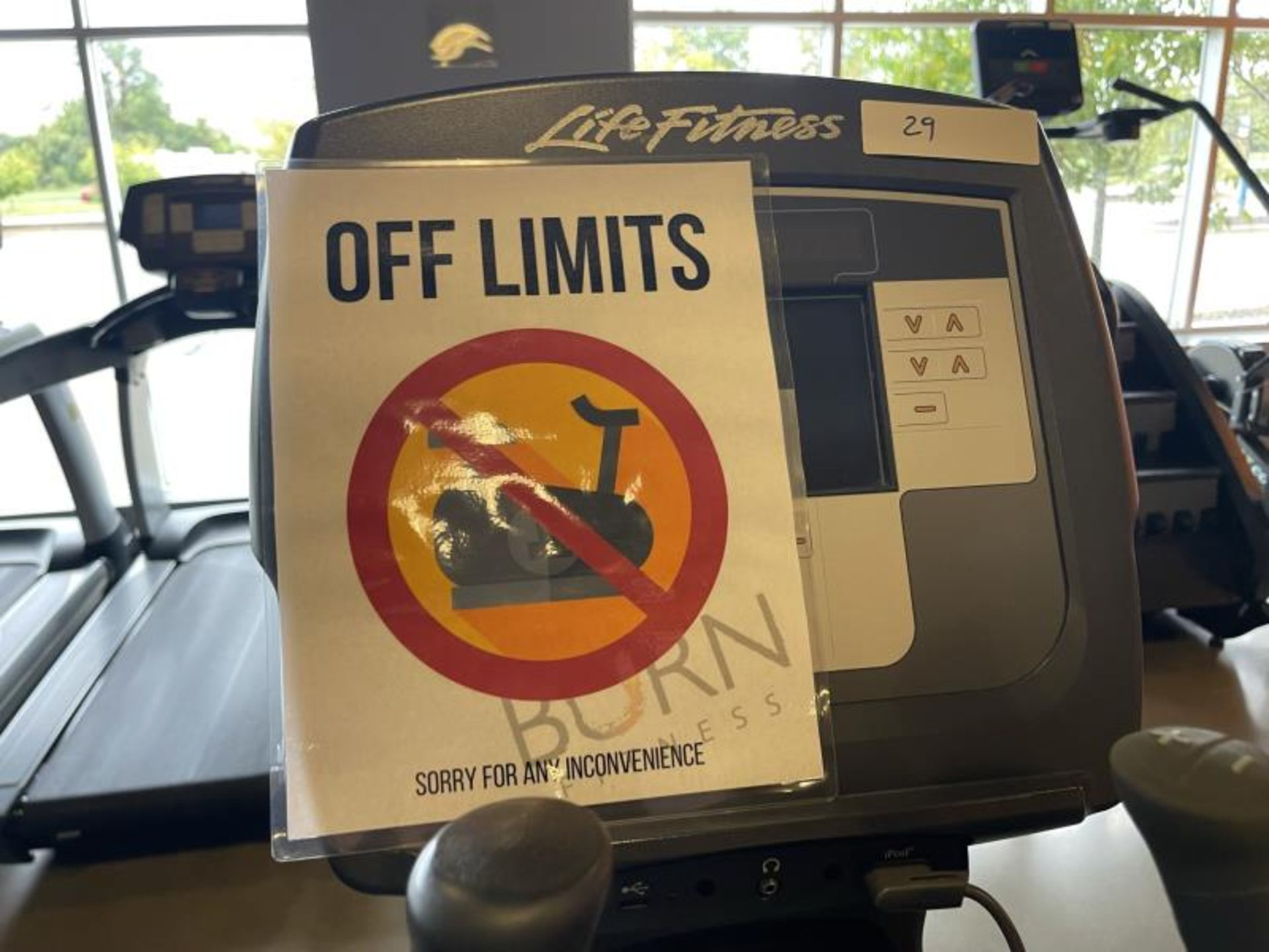 Life Fitness Elliptical M: 95X Has Out Of Order Sign - Image 4 of 4