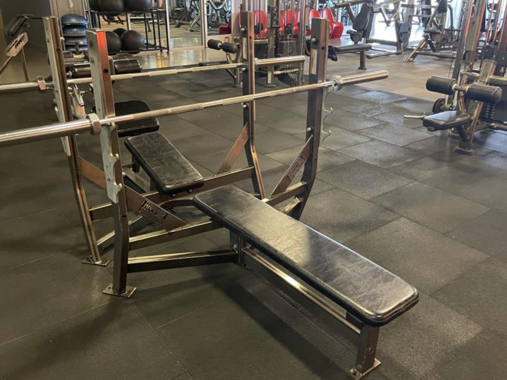 Hammer Strength Bench with Bar - Image 2 of 3
