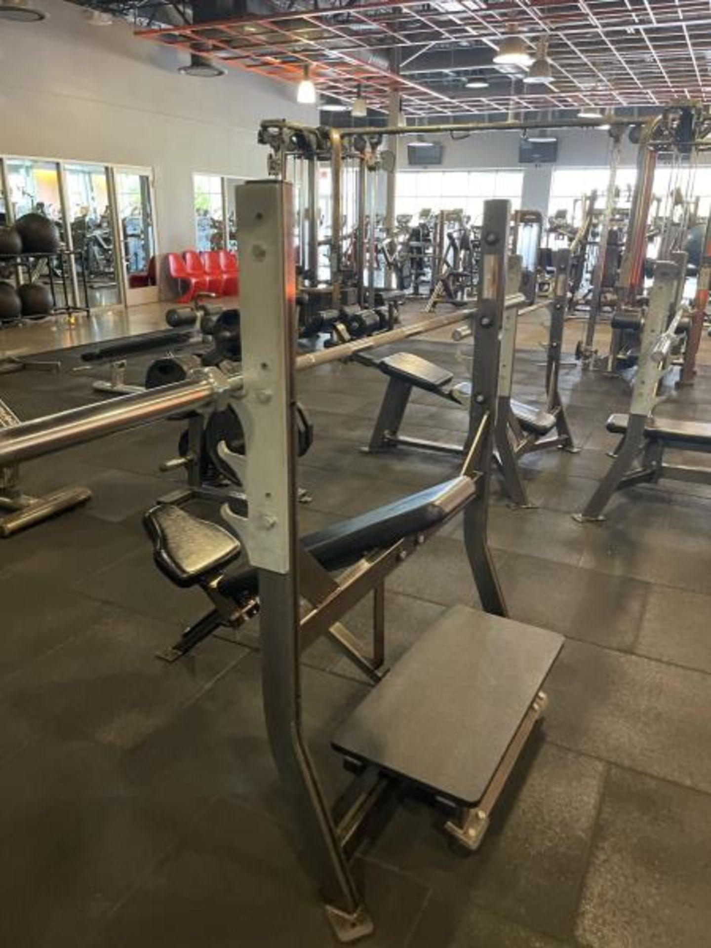 Hammer Strength with Bench, Rack, Bars - Image 4 of 5