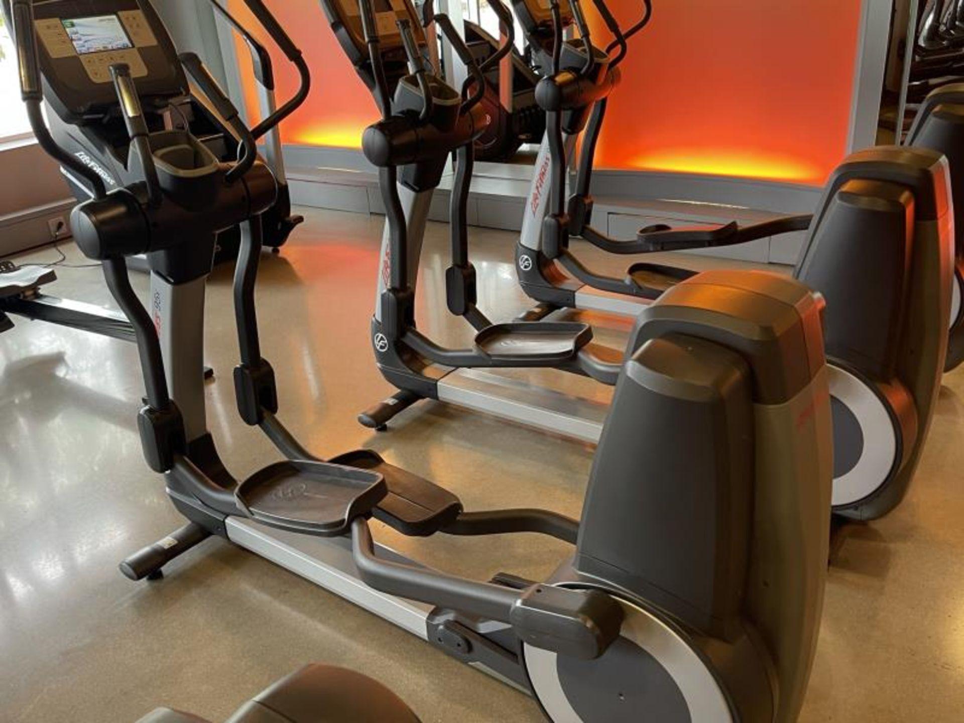 Life Fitness Elliptical M: 95X - Image 2 of 6
