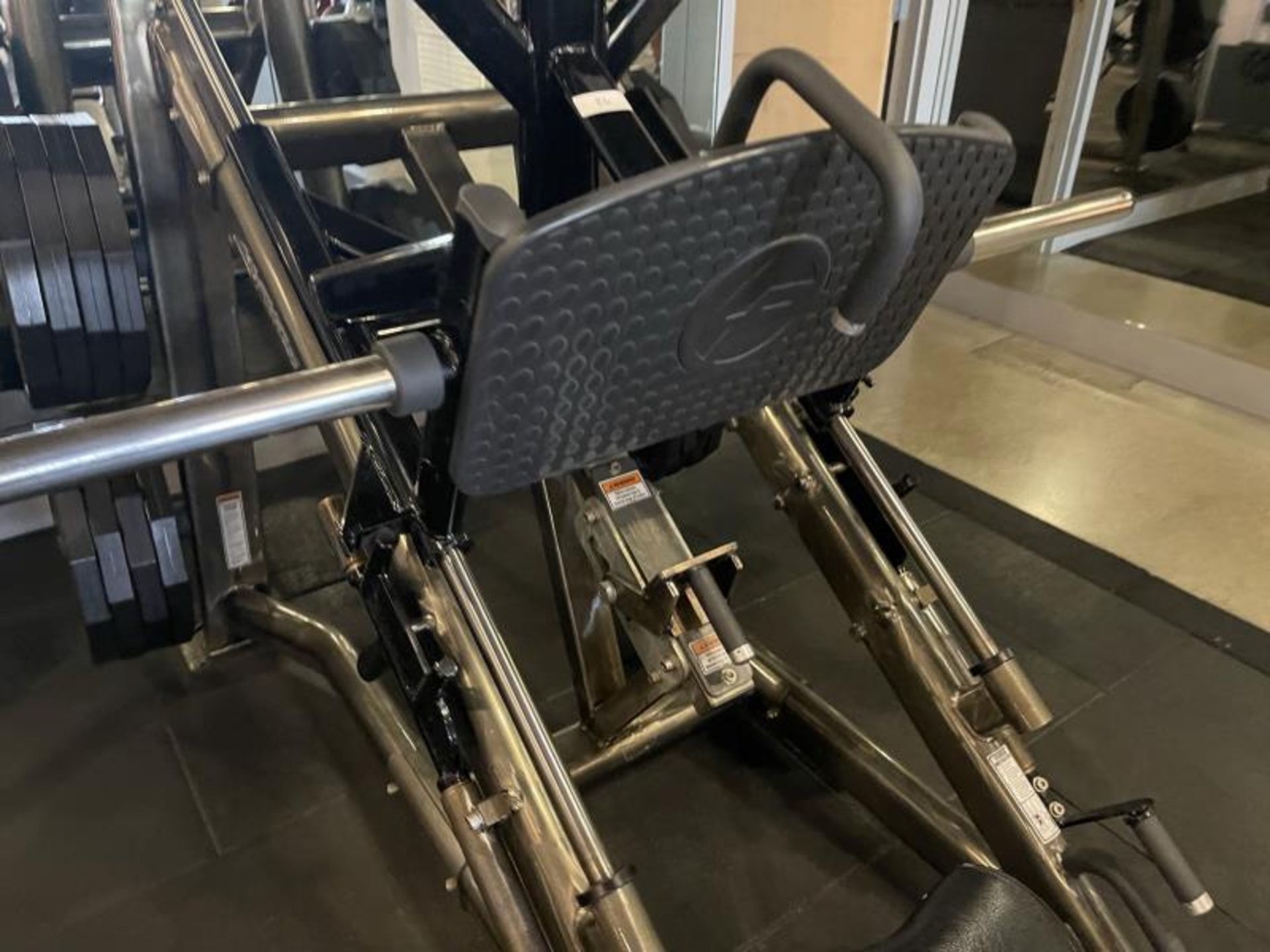 Life Fitness Linear Leg Press with Iron Grip Weighted Plates M: SPLLLP - Image 8 of 9