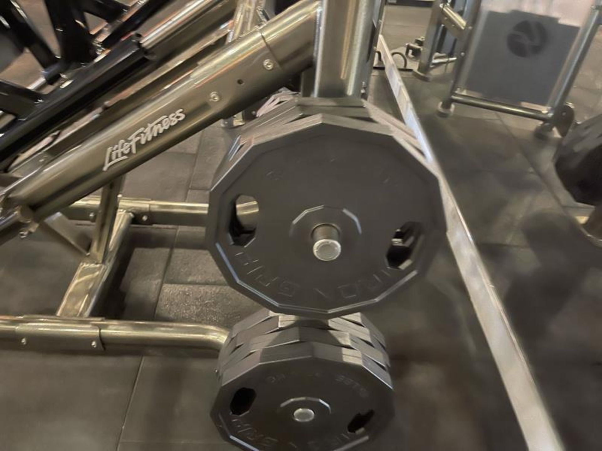 Life Fitness Linear Leg Press with Iron Grip Weighted Plates M: SPLLLP - Image 3 of 9