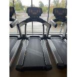 Life Fitness Treadmill M: 95T with Flex Deck, Shock Absorption System SN: TET108402