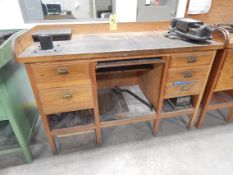 Toolmaker's Bench, No item on top of bench in photo