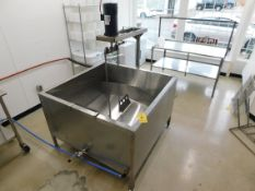 Kleen-flo 200 Gallon Artisan Cheese Vat, with Leeson 1 HP Motor, Two Gate Strainers and Taco