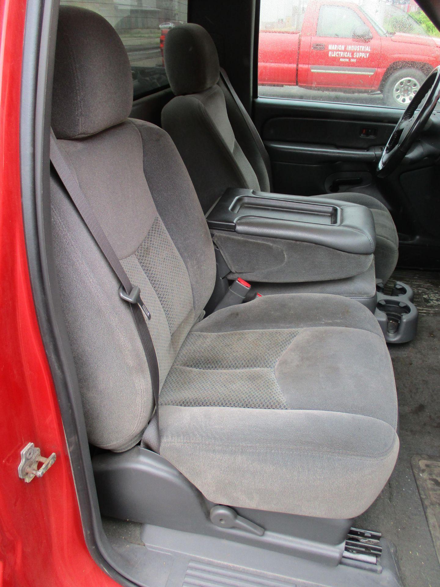 2006 Chevrolet Silverado 1500 LT Pickup, VIN 1GCEC14V96E251510, Regular Cab, Automatic, AC, 8' - Image 16 of 21