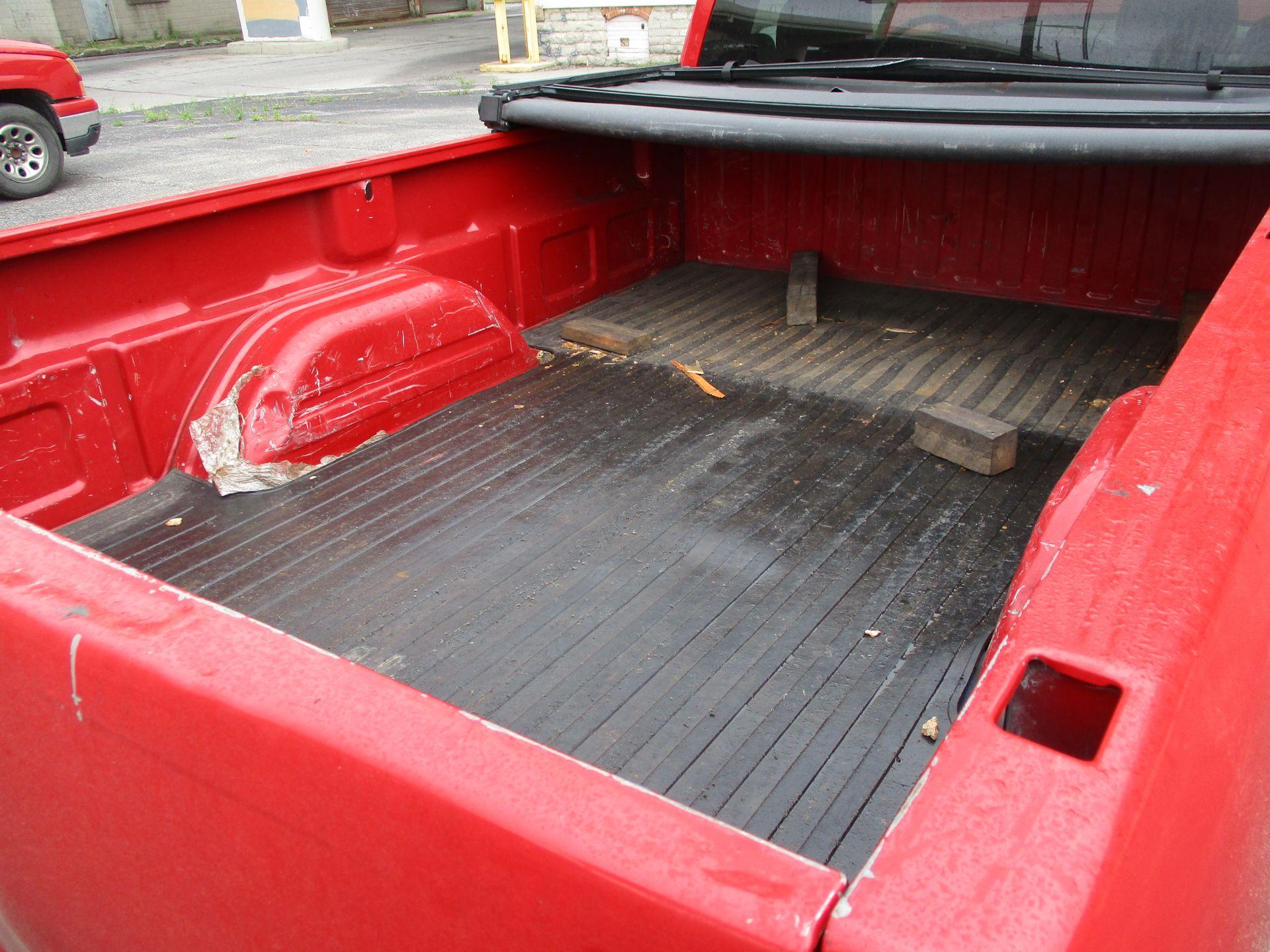 2006 Chevrolet Silverado 1500 LT Pickup, VIN 1GCEC14V96E251510, Regular Cab, Automatic, AC, 8' - Image 19 of 21