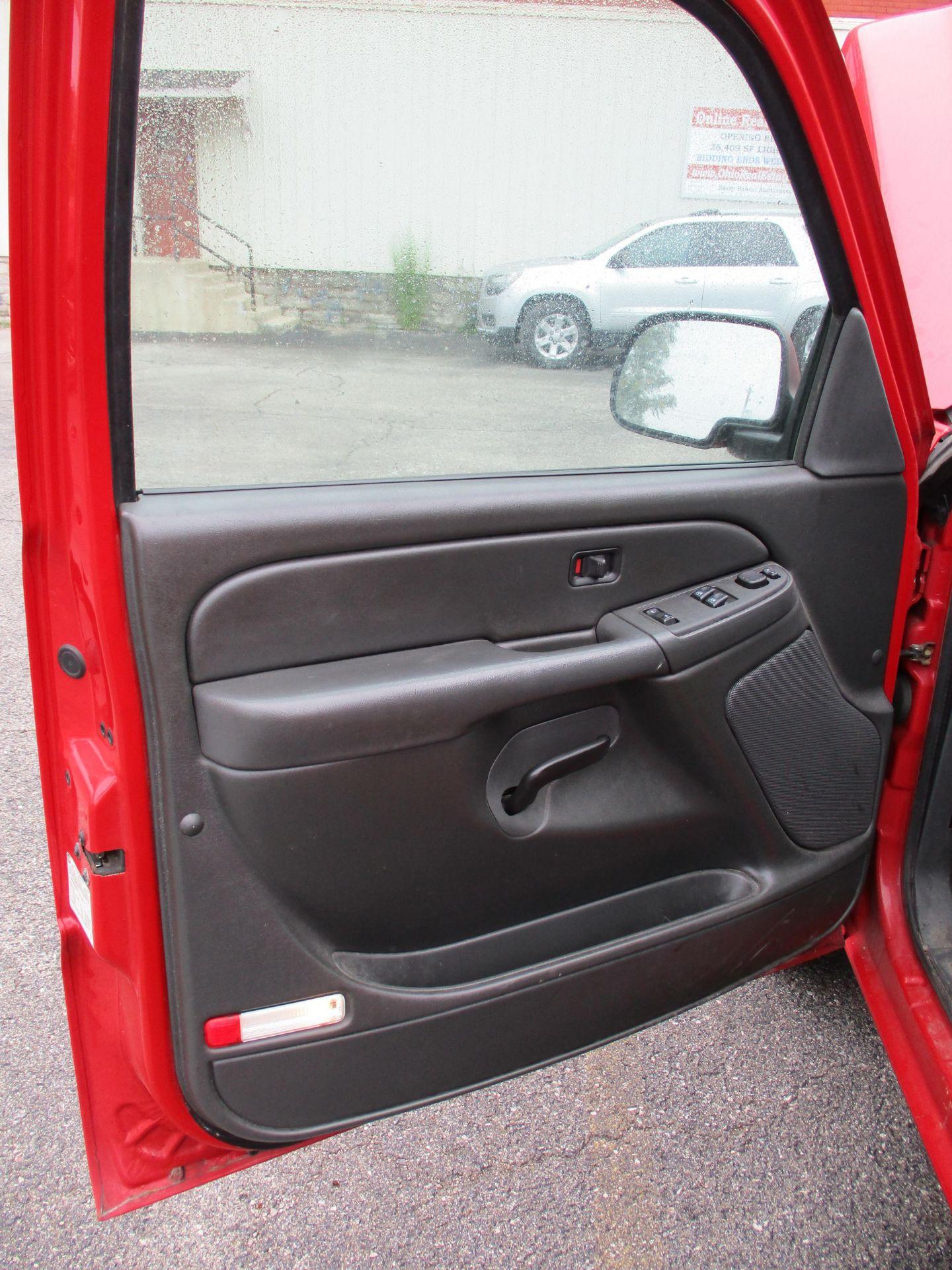 2006 Chevrolet Silverado 1500 LT Pickup, VIN 1GCEC14V96E251510, Regular Cab, Automatic, AC, 8' - Image 10 of 21