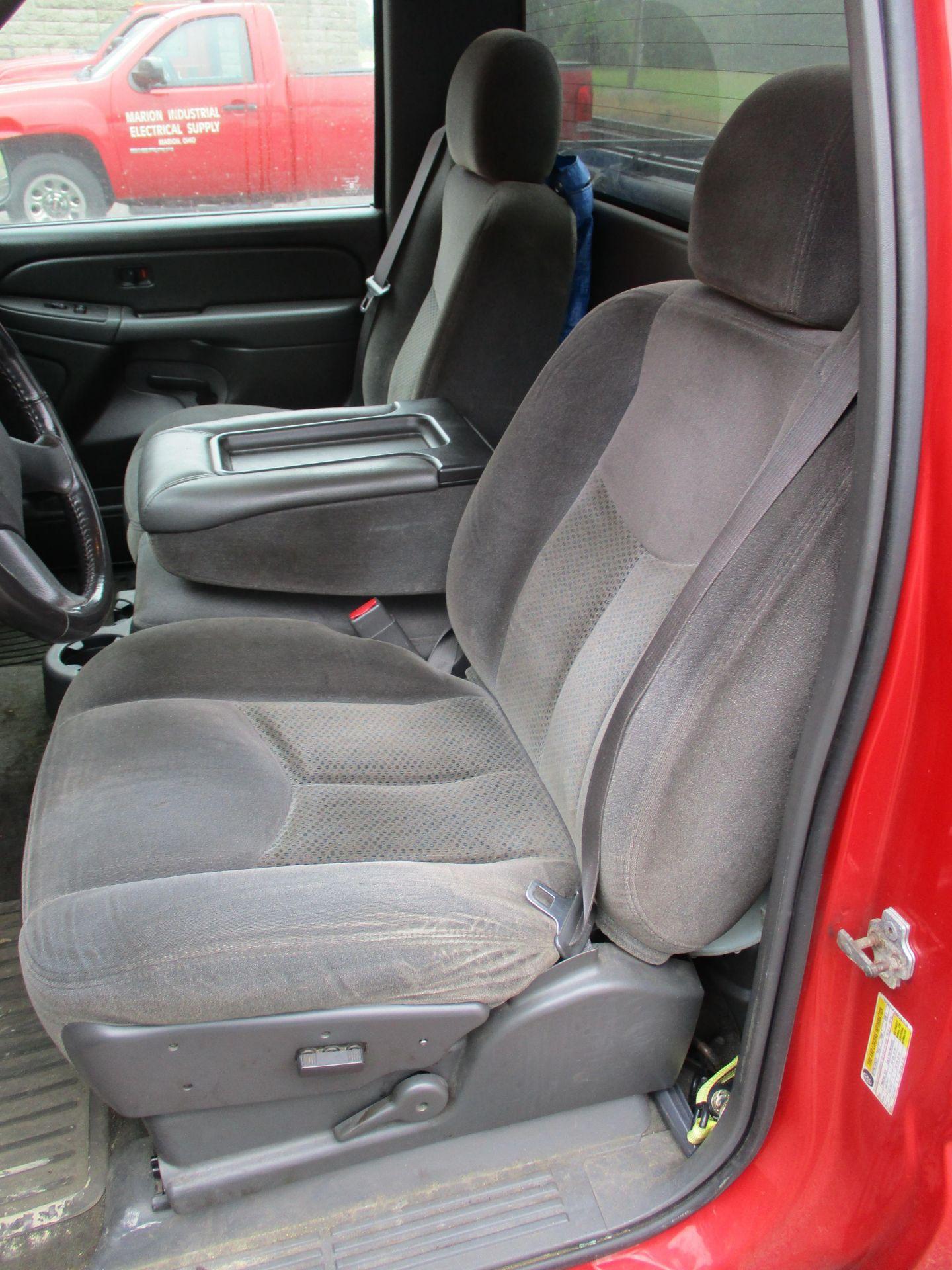 2006 Chevrolet Silverado 1500 LT Pickup, VIN 1GCEC14V96E251510, Regular Cab, Automatic, AC, 8' - Image 11 of 21