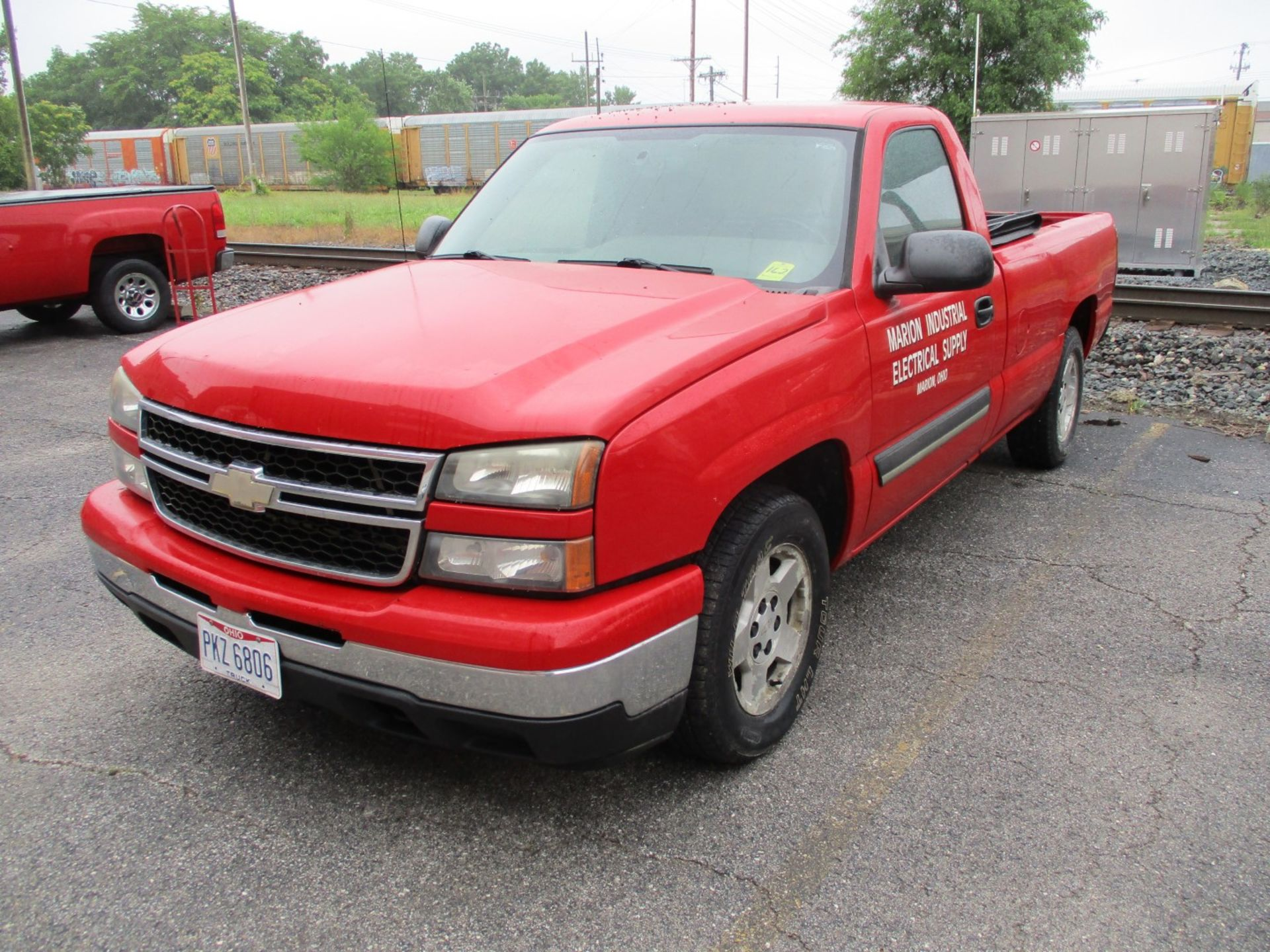 2006 Chevrolet Silverado 1500 LT Pickup, VIN 1GCEC14V96E251510, Regular Cab, Automatic, AC, 8' - Image 2 of 21