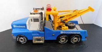 """Kenworth Wrecker """"Goodwrench"""" Toy"""
