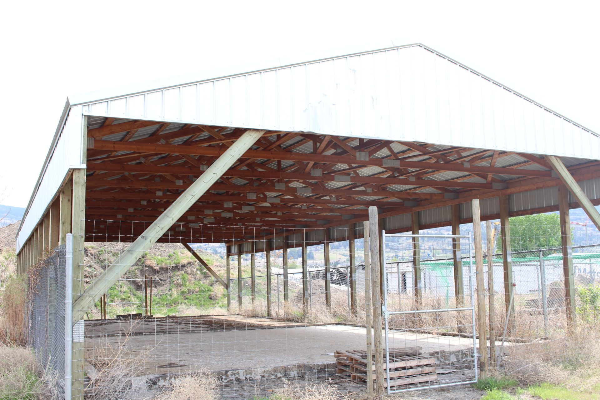 POLE BUILDING, 33' X 80' WOOD TRUSS, METAL CLAD ROOF