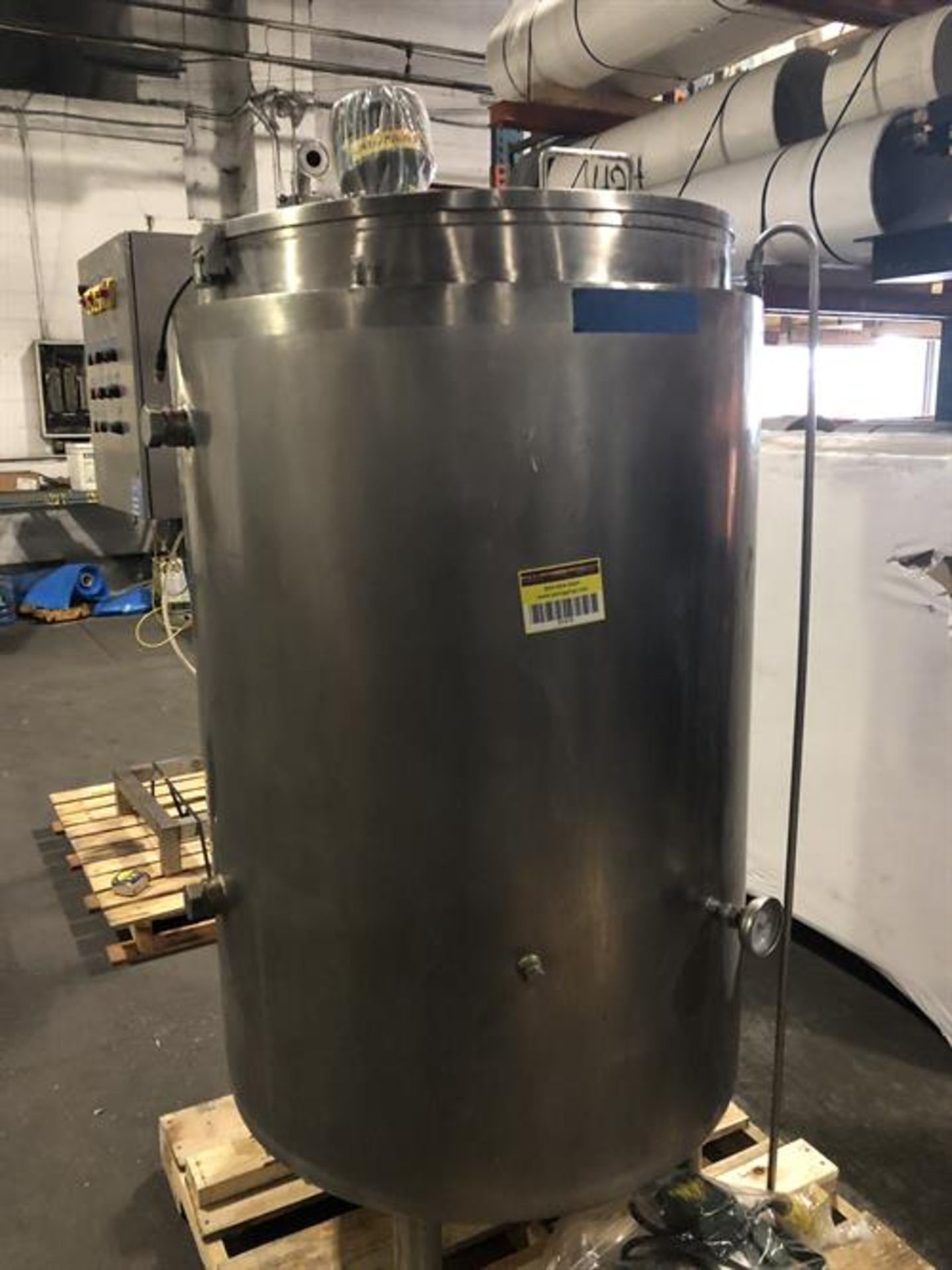(2) Spray Dynamics 100 Gallon Stainless Steel Jacketed Mixing Tanks with pump - Image 18 of 32