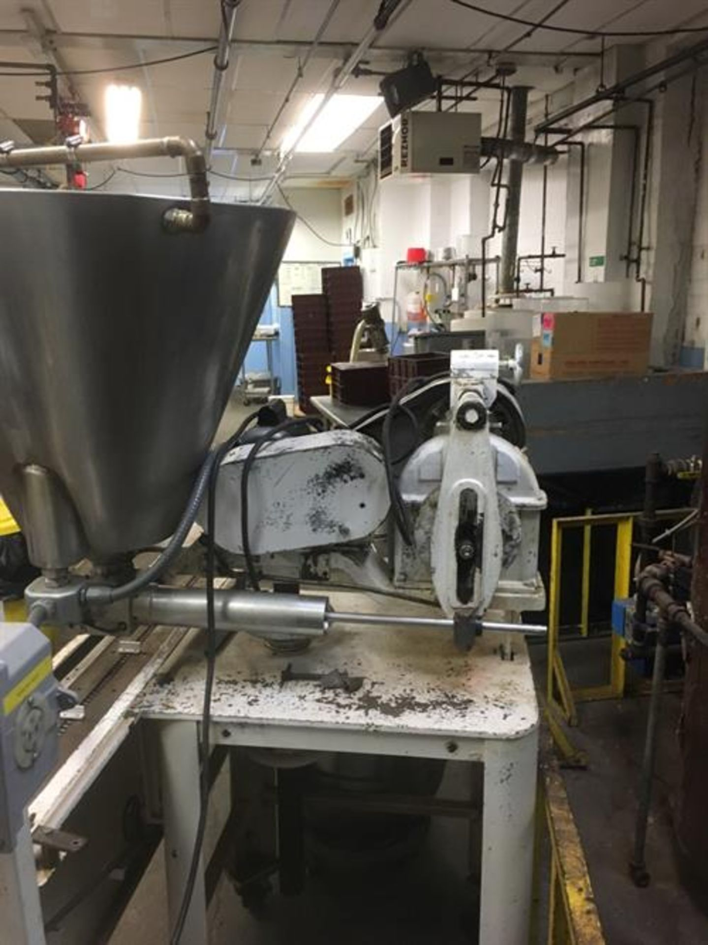 Elgin Single Piston Fudge Filler - SS Jacketed and Heated Hopper - Indexing Conveyor Located - Image 2 of 4