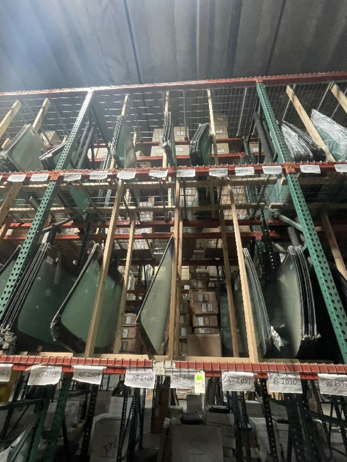 (1 SECTION) ASST WINDSHIELDS WD1468 WD1459