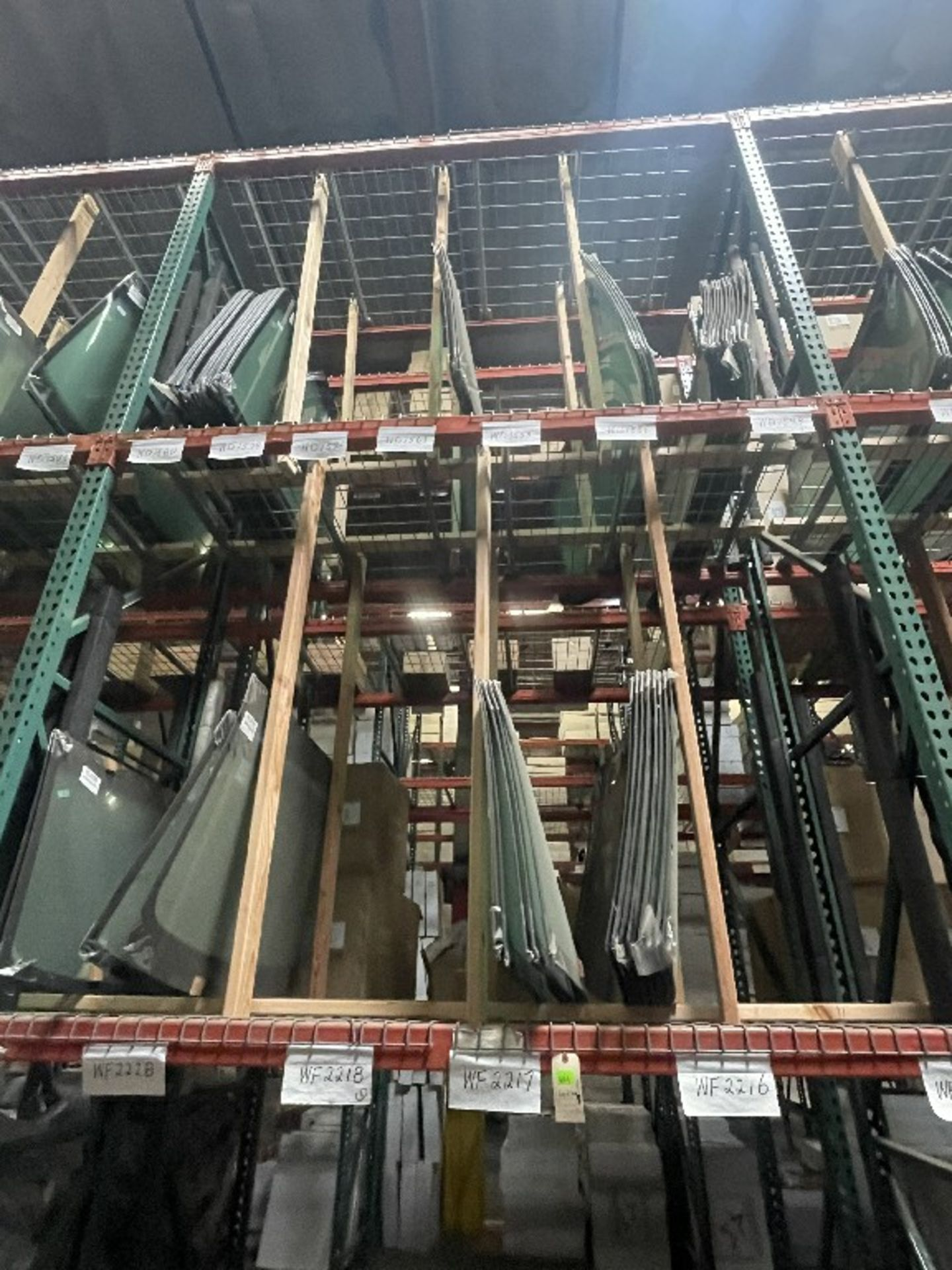 (1 SECTION) ASST WINDSHIELDS WD1551 WD1549