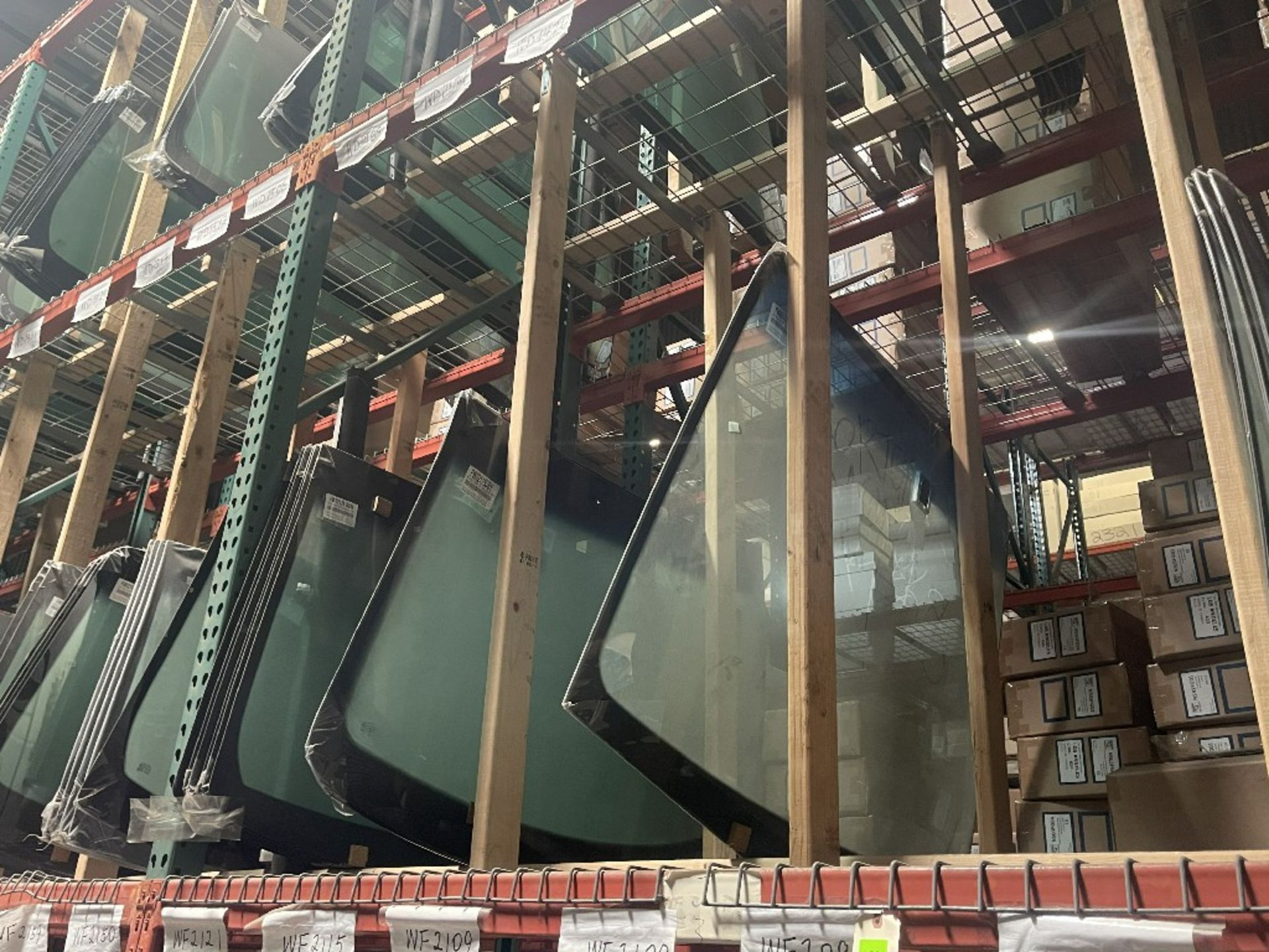 (1 SECTION) ASST WINDSHIELDS WD1468 WD1459 - Image 2 of 2