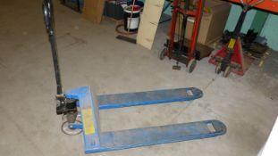 MANUAL PALLET TRUCK (BLUE) 5,500 LBS CAPACITY