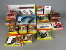 Hornby, Hornby Skaledale - 16 boxed / carded items of OO gauge scenic accessories from Hornby.