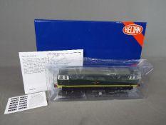 Heljan - A boxed OO gauge Heljan #3513 Class 35 Hymek Diesel locomotive Op.No.