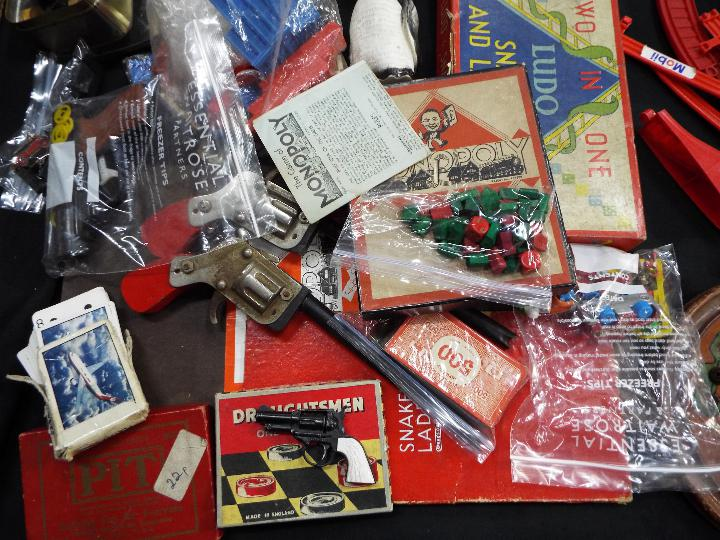 Chad Valley, Waddingtons, Lego, Others - A collection of vintage children's toys, books, and games. - Image 2 of 5