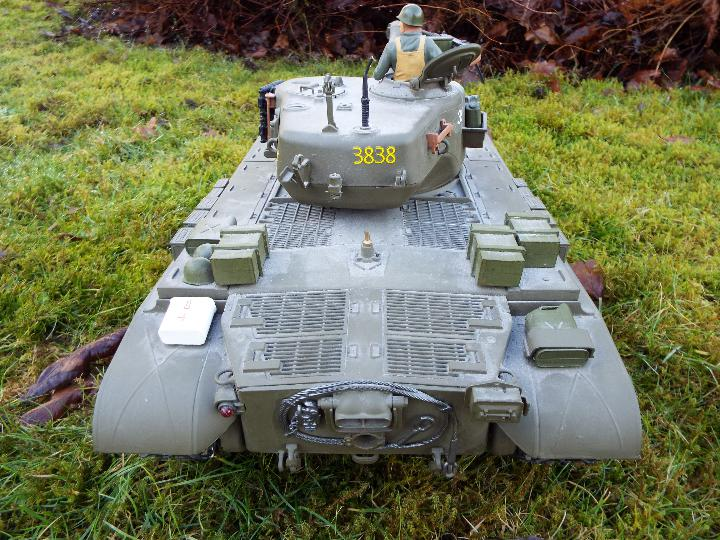 Heng Long - M26 Pershing 1:16 scale tank. This model has a forward and reverse drive. - Image 6 of 9