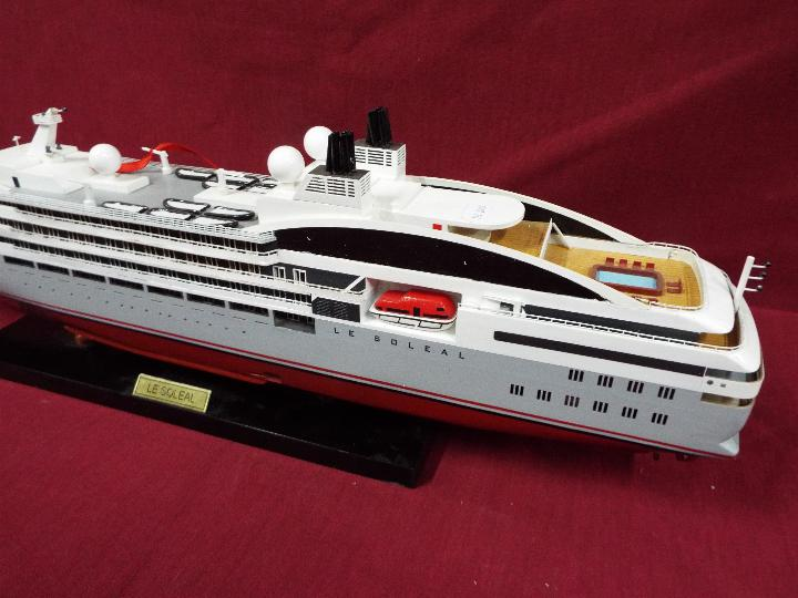 A static display model of a French cruise liner 'Le Soleal' . - Image 3 of 6