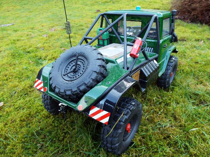 Axial - R/C rock crawler SCX10 II UMG10 1/10 Scale Elec 4WD made from Kit C-AXI90075 with twin axle - Image 6 of 10