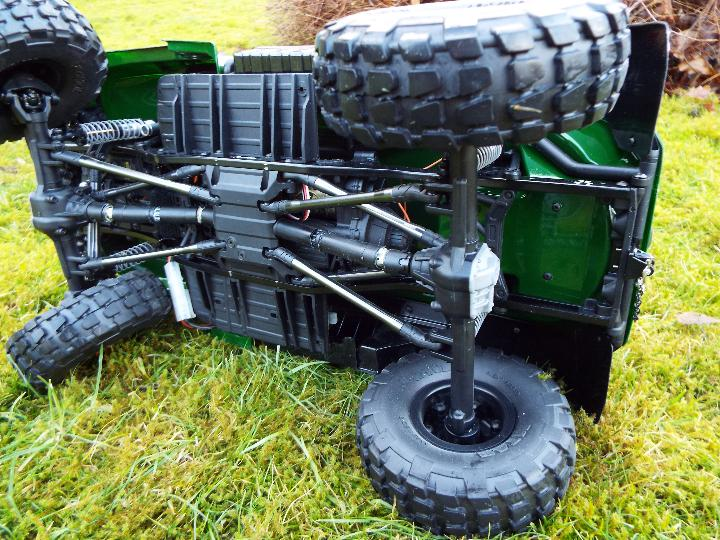 Axial - R/C rock crawler SCX10 II UMG10 1/10 Scale Elec 4WD made from Kit C-AXI90075 with twin axle - Image 8 of 10