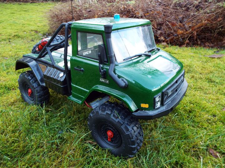 Axial - R/C rock crawler SCX10 II UMG10 1/10 Scale Elec 4WD made from Kit C-AXI90075 with twin axle - Image 3 of 10