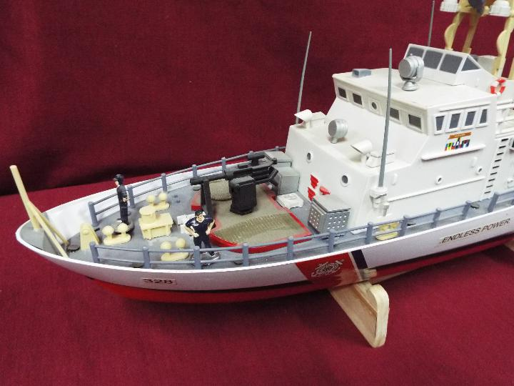 A twin Propeller Remote Control Coast Guard Patrol Boat 'Excellent Endless Power'. - Image 2 of 6
