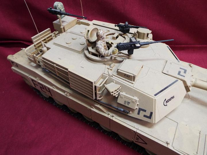 Heng Long - Abrams 1/16 scale M1A2 tank with 2.4 GHz transmitter. - Image 3 of 10