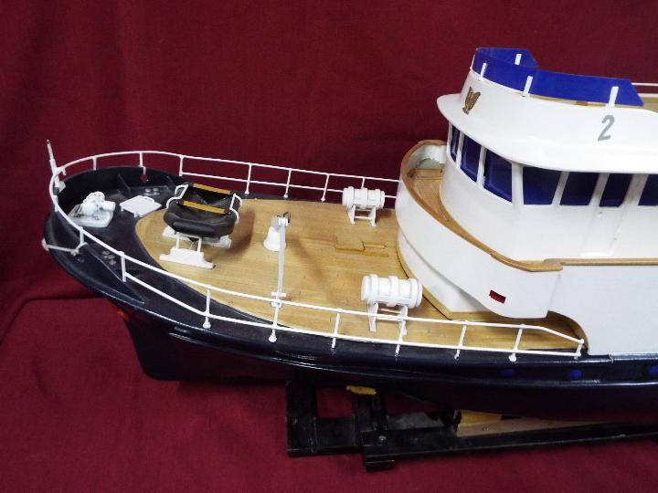 A 'Grand Banks' radio controlled luxury model yacht. - Image 2 of 7