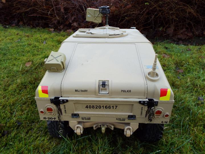 HG - HG P408 Humvee style with light and sound Function 1/10 scale 2.4G 4WD 16CH 30km/h Rc Model U. - Image 5 of 10