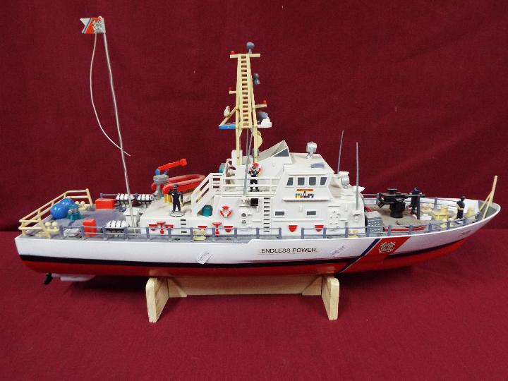 A twin Propeller Remote Control Coast Guard Patrol Boat 'Excellent Endless Power'. - Image 5 of 6