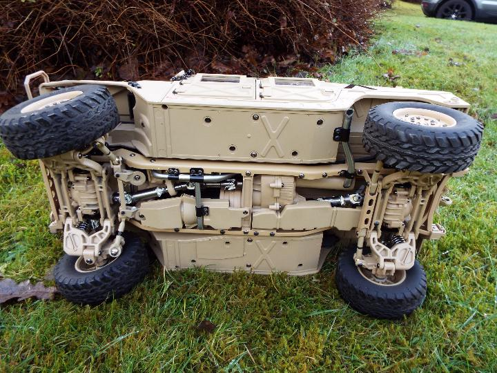 HG - HG P408 Humvee style with light and sound Function 1/10 scale 2.4G 4WD 16CH 30km/h Rc Model U. - Image 7 of 10