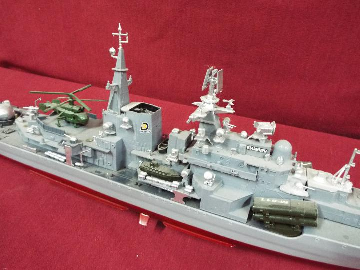 A radio controlled 'Smasher' Destroyer. - Image 3 of 6
