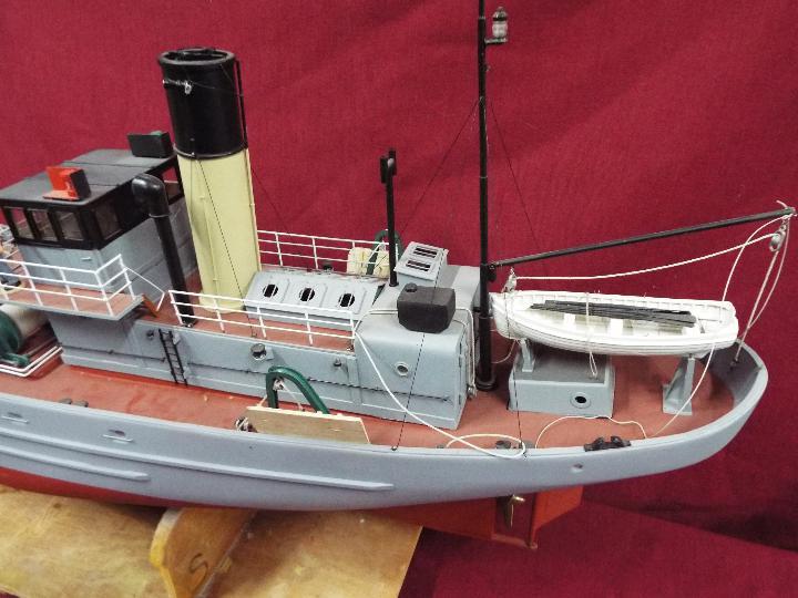 A large WW2 radio controlled fishing trawler 'H84 Dorna'. - Image 4 of 6