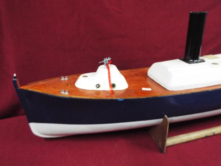 A scratch built model of Royal Navy Steam Pinnacle 199, - Image 2 of 5