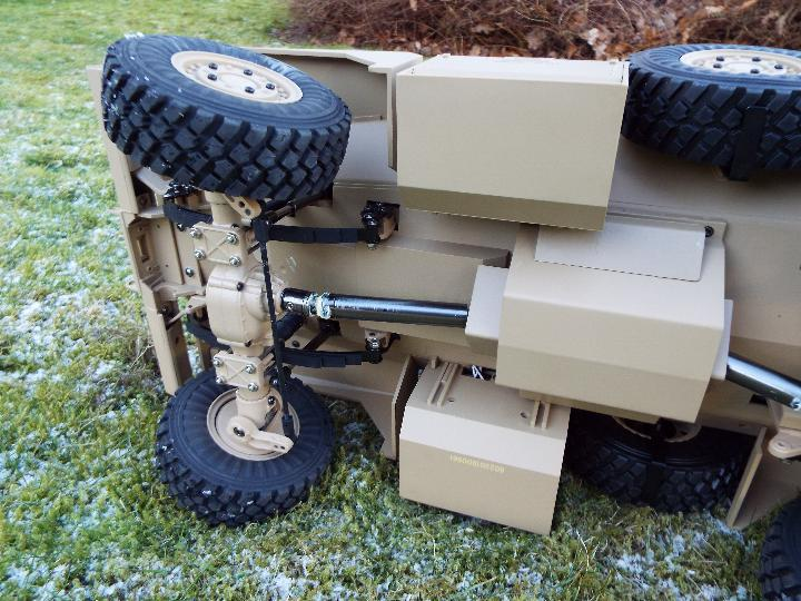 HG -RC MRAP COUGAR U.S. Military Vehicle 6X6 HG P602 1/12 2.4G 6WD 16CH ARTR 2. - Image 10 of 12