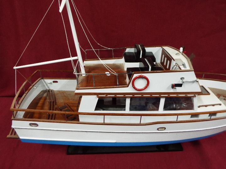 A 'Grand Banks 32' static model yacht. - Image 2 of 6