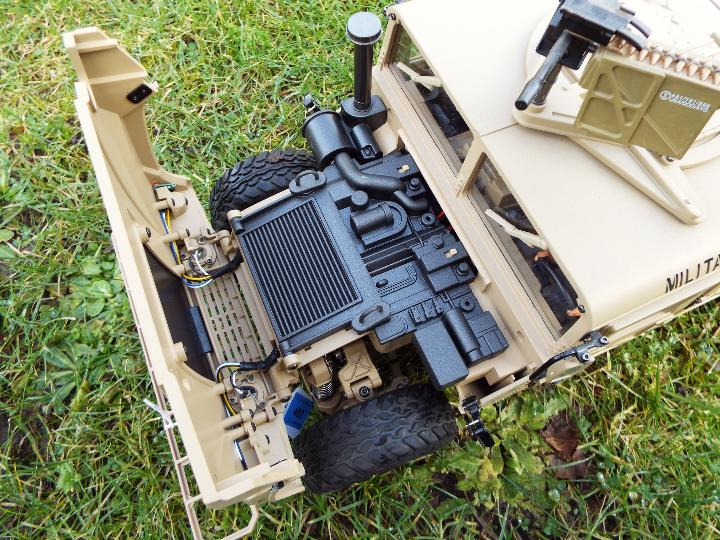 HG - HG P408 Humvee style with light and sound Function 1/10 scale 2.4G 4WD 16CH 30km/h Rc Model U. - Image 10 of 10
