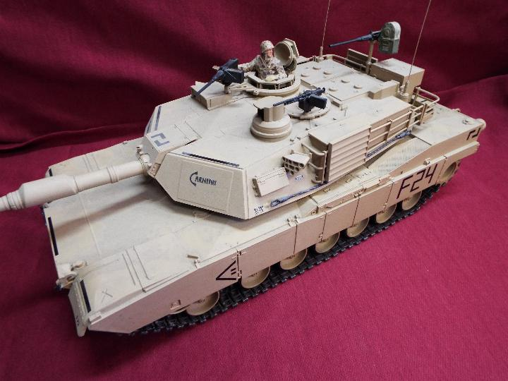 Heng Long - Abrams 1/16 scale M1A2 tank with 2.4 GHz transmitter. - Image 4 of 10