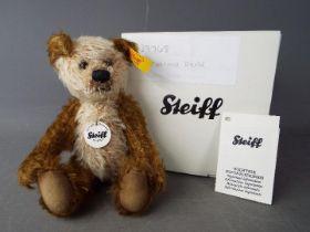 Steiff - A boxed Steiff 'Cappuccino Bear' # 039768, yellow tag,