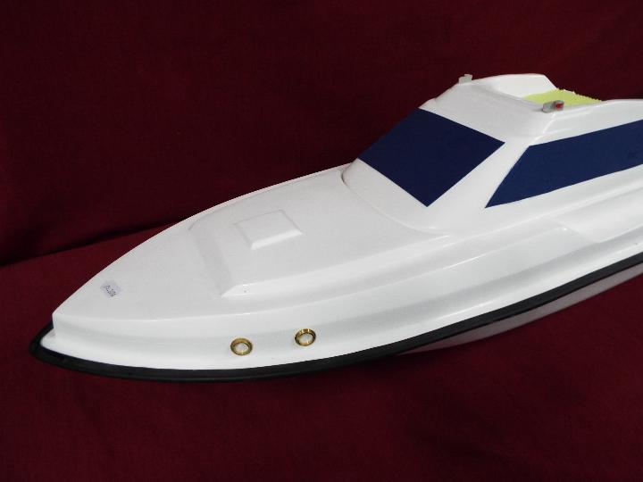 A fibreglass model of a luxury yacht. - Image 2 of 4