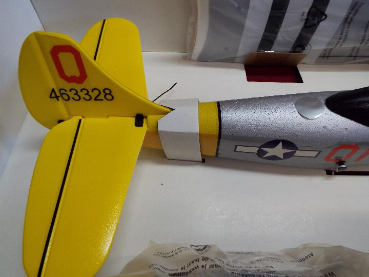 A boxed unmarked Mustang P51 radio controlled model aircraft. - Image 3 of 5